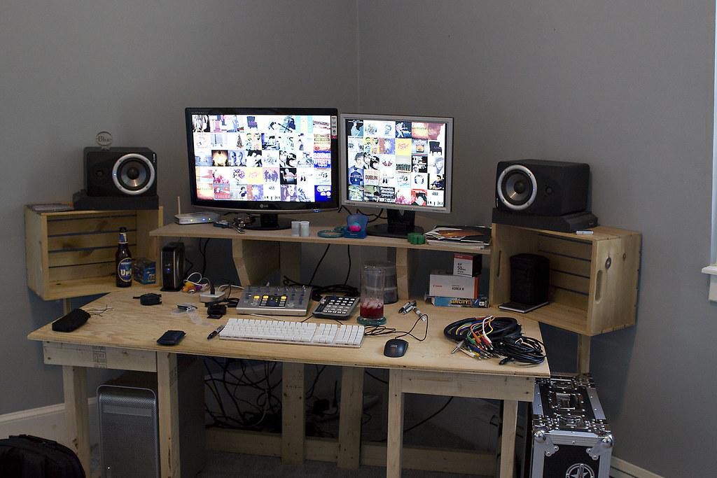 custom computer desk computers in photography on forums. Black Bedroom Furniture Sets. Home Design Ideas