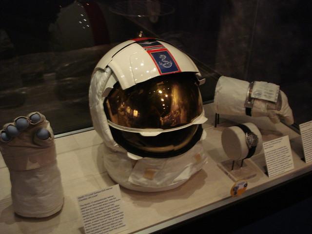apollo 13 astronaut helmet - photo #21