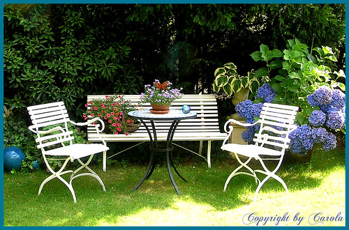 cottage garden vintage garden chairs and bench rh sophiaa cottagegarden blogspot com cottage garden furniture uk cottage outdoor furniture toronto