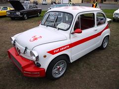 fiat 600(0.0), fiat 500(0.0), automobile(1.0), automotive exterior(1.0), fiat(1.0), vehicle(1.0), subcompact car(1.0), city car(1.0), zastava 750(1.0), antique car(1.0), land vehicle(1.0), coupã©(1.0),
