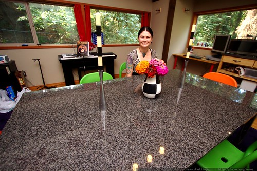 granite dining room table    MG 0847