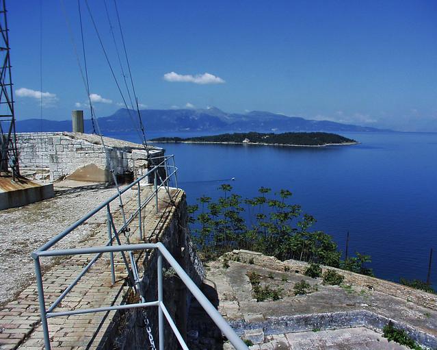 Blick von der Festung auf die albanischen Berge