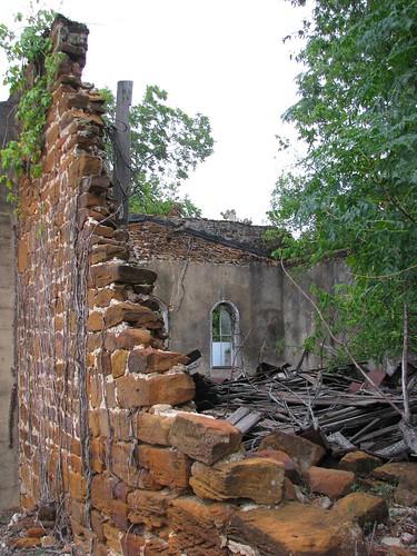 ruins texas belmont bastropcounty oldstonestore oldrockstore mlhradio redstonestore