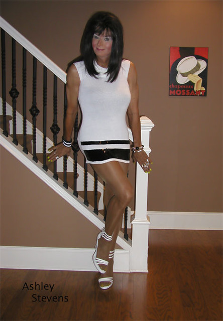 Amateur milfs and young studs