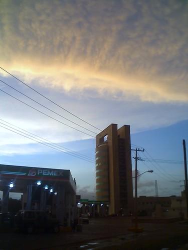 Atardecer en Torre Banamex, Merida