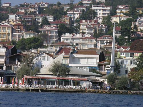 Kınalıada dzsámi, ahol a minaret csak egy oszlop