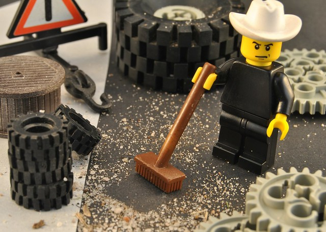 Lego Texas Tyre Shop Clean