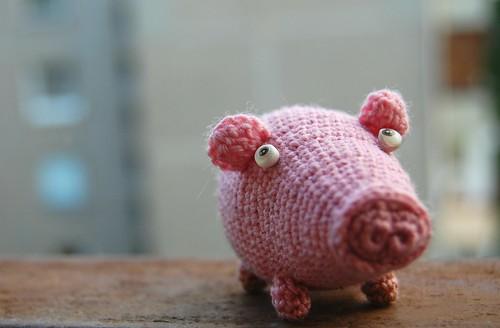 A piggy amigurumi pig