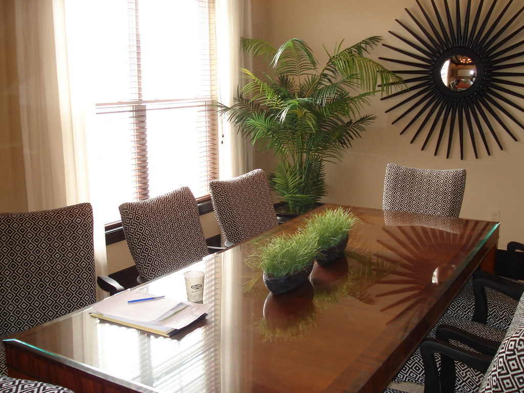 Greenwich Place Dining Room Table
