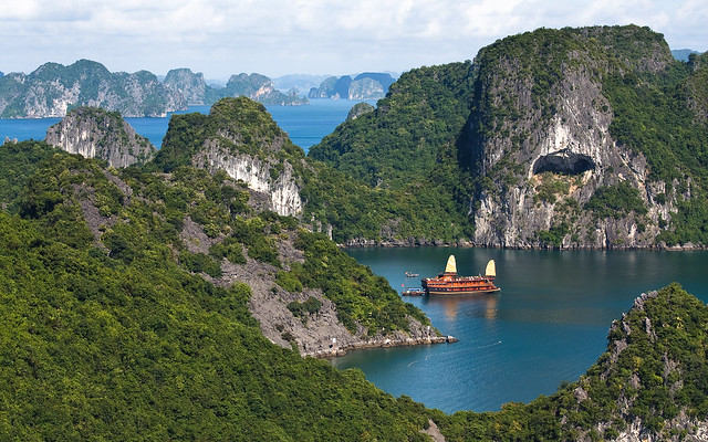 Pleasurecraft in Halong Bay