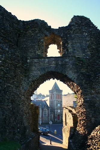 Launceston Castle, North Gate, looking towards the old Town Hall. by Stocker Images