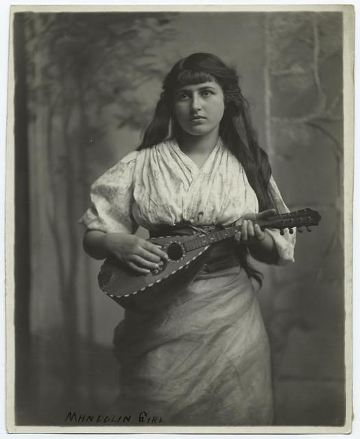 women - a gallery on Flickr - 94.9KB