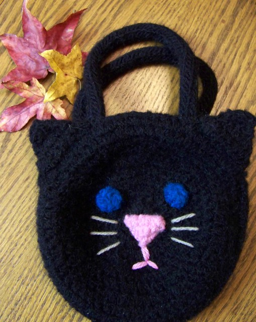 Felted Black Cat Bag_l Free crochet pattern from Lion ...