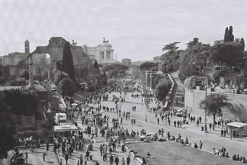 ROME – THE IMPERIAL FORA: Mostra – 'Forma / La città moderna e il suo passato (2004). Prof. Paulette Singley, Abstract – 'Fascism Under Erasure: Fuksas's Proposal for the Via dei Fori Imperiali (2004).'