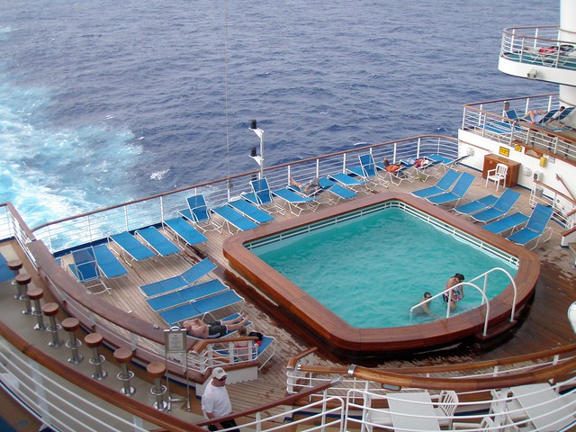 Grand Princess -Photo Tour and Commentary - page 2 |Pool Terrace Grand Princess