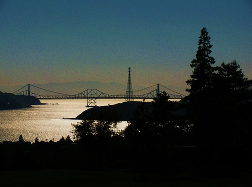 park blue water northerncalifornia benicia sanpablobay carquinezstraits beniciacalifornia bridgeviewpark carquinezbridges thisgroupofourown