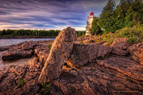 lighthouse ontario canada sunrise dawn rocks greatlakes brucepeninsula tobermorey sigma1020mmf456exdchsm landscapesseascapes bigtublighthouse explorewinnersoftheworld tomfredaphotography