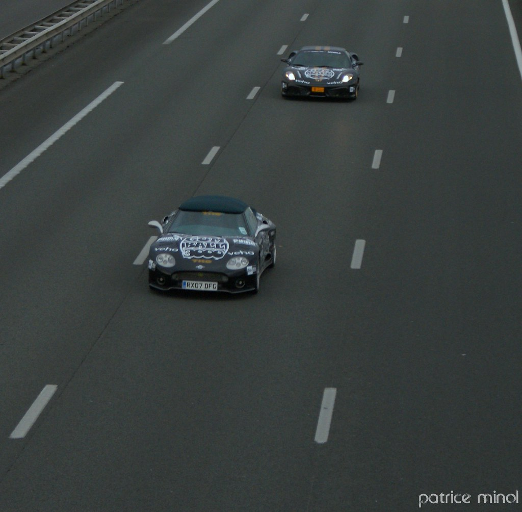 Spyker c8 and Ferrari F430 scuderia