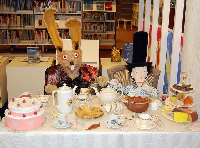 Citaten Uit Alice In Wonderland : Fcfe e z g