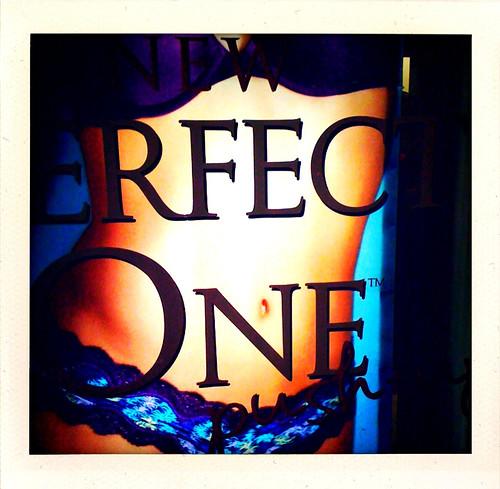 sexy apple minnesota female america mall perfect secret bra torso navel abs victorias iphone shakeitphoto