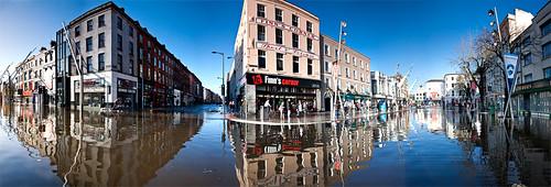 panorama reflection water stitch flood cork explore lee photomerge 1785mm cs4 grandparade finnscorner canon40d hegartydavid november09 davidhegarty singercorner
