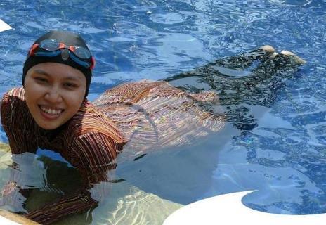 اروپا: بوركینی، مایوی شنا مختلط دختران وزنان مسلمان در ساحل دریا و استخر