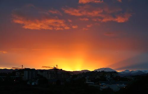 mountains sunrise cranes rays ålesund aalesund sunnmørsalpene larigan phamilton wellnearlyasunrise