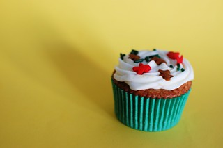 Gingerbread cupcake with Lemon cream cheese frosting