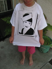 Beatriz Costa t-shirt by pennylrichardsca (now at ipernity)