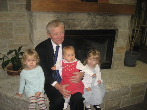 Grandpa, Kaitlyn, Sidney and Vivianne