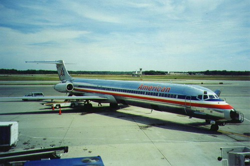 N487AA American Airlines MD-82