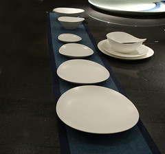 Spin - freeloop matt white tableware set