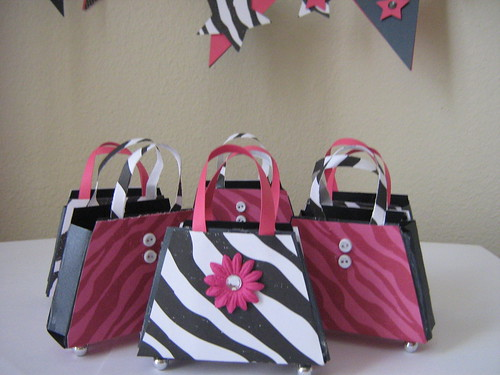 Diva Purse Favor Boxes by crafting saavy