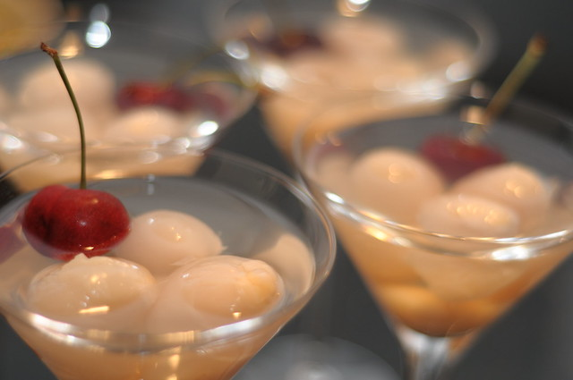 Lychee martini flickr photo sharing for Cocktail litchi