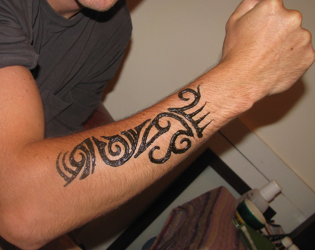 Henna Tattoo Men: Tribal Man's Arm Henna- Henna Party