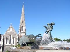 Fontanna Gefion i kościół św. Albana