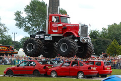 auto racing(0.0), racing(0.0), tractor pulling(0.0), fire department(0.0), agricultural machinery(0.0), tractor(0.0), fire apparatus(0.0), emergency service(0.0), vehicle(1.0), truck(1.0), transport(1.0), monster truck(1.0), land vehicle(1.0),