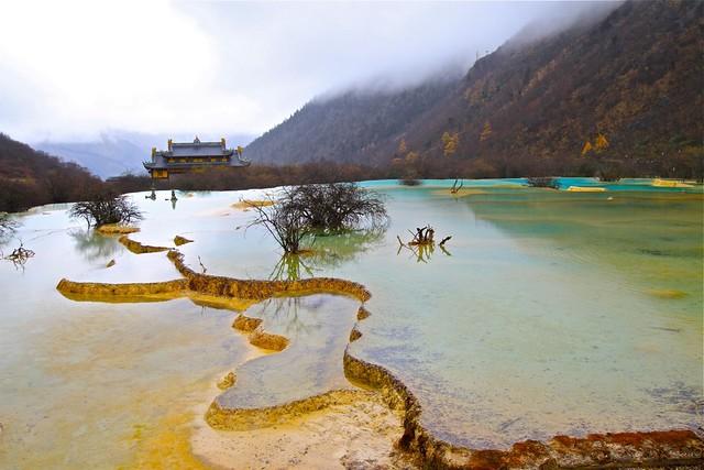 El valle de Huanglong, Sichuan, China