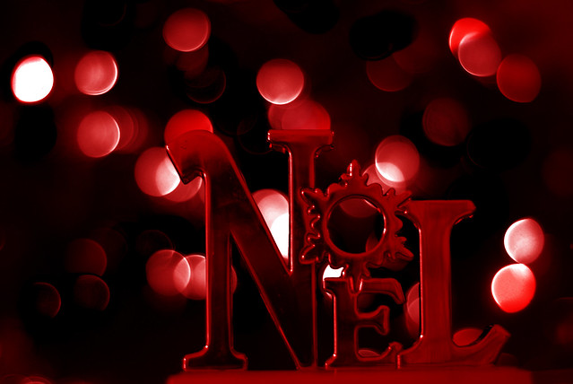 25 Days of Red - On a Cold Winter's Night That Was So Deep, Noel...