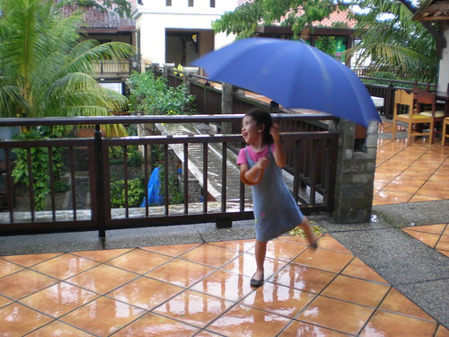 singing n dancing in the rain