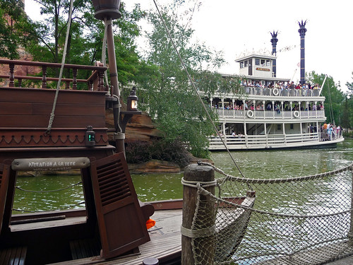 Coyote Keelboat and the Mark Twain