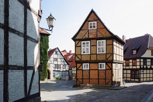 10 pueblos y ciudades congeladas en la edad media en for Casas de la epoca actual