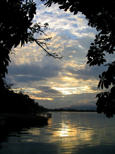morning travel friends lake sunrise rainforest guatemala adventure explore amanecer riodulce jungle tropical cloudscapes centralamerica lakeizabal lagoizabal theperfectphotographer zoniedude1 elmundomaya