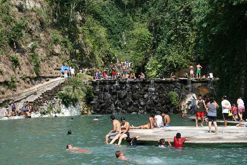 Balneario los chorros el salvador a photo on flickriver for Chorros para piscinas