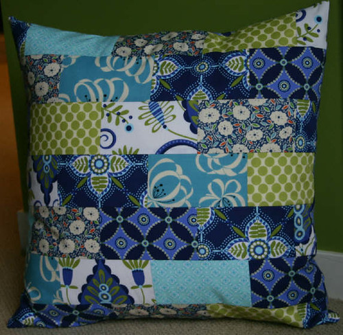 Free Throw Pillow Quilt Pattern : twin fibers: Layered Brick Pillows