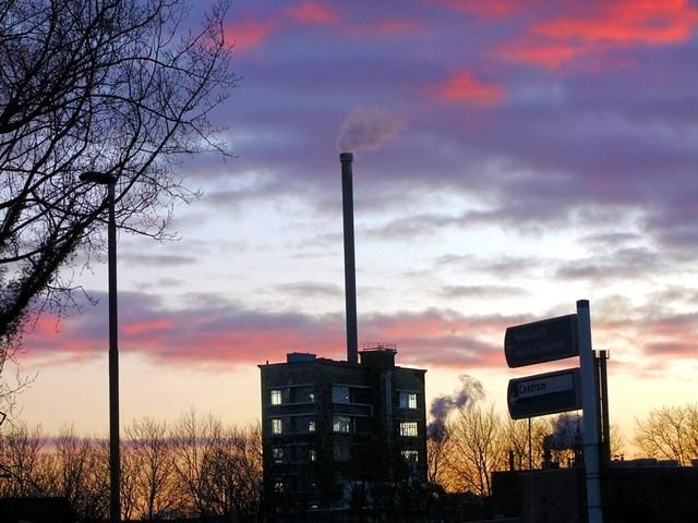 Dsm Keukens Kleuren : GIST DSM onder een koude avondlucht Flickr Photo Sharing!