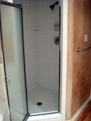 room(1.0), plumbing fixture(1.0), shower(1.0), door(1.0),
