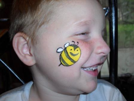 Face Paint Bumble Bee http://www.flickr.com/photos/40624531@N08/3751011176/