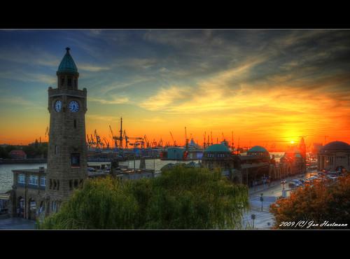 sunset sun canon eos sonnenuntergang jan hamburg sigma hh 1020mm hafen landungsbrücken sonne hartmann photoart hdr elbe hamburgerhafen photomatix blohmvoss norderelbe 11exp 400d