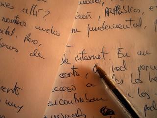 Escribiendo para Internet con bolígrafo